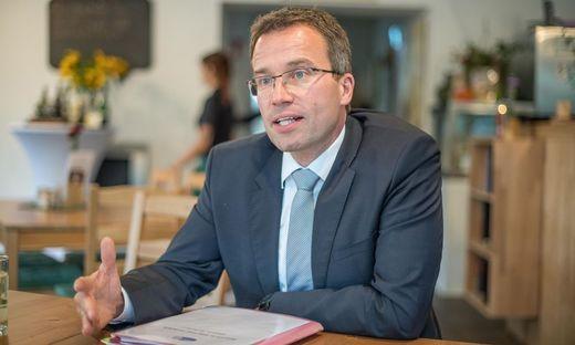 Löste die Diskussion um Zuverdienstmöglichkeiten aus: AMS-Chef Johannes Kopf