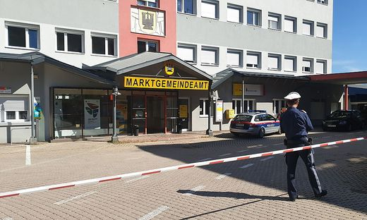 Nach den Bombendrohungen musste das Gemeindeamt Arnoldstein mehrmals geräumt werden