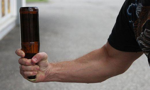 Attacke mit Bierflasche