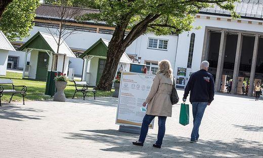 Im Strandbad Klagenfurt darf man ab 3. Mai nur seine Kästen einräumen und Saisonkarten kaufen
