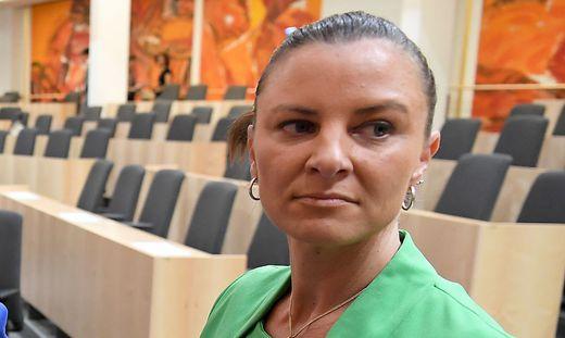 Katharina Nehammer klagt einen Kärntner wegen übler Nachrede
