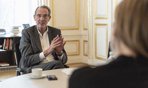 Bildungsminister Heinz Faßmann (ÖVP) in seinem Büro am Wiener Minoritenplatz
