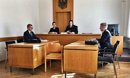 Verteidiger Leopold Wagner, Richterin Astrid Karner, Verteidiger Walter Dellacher (von links)