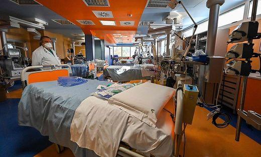 In Italien will man bei der Bestimmung restriktiver Maßnahmen künftig die Auslastung der Spitalsbetten verstärkt berücksichtigen
