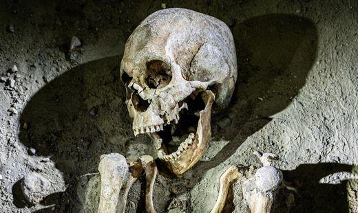 Blick in das Grab der Gepfählten