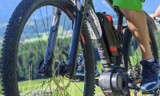 Der E-Biker kam am Ufer des Millstätter Sees zu liegen