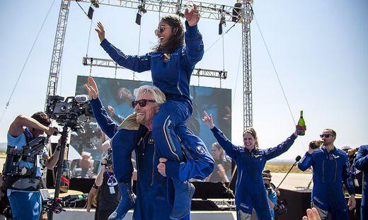 """Der Brite Richard Branson flog mit seinem Raumschiff """"VSS Unity"""" bereits in den Weltraum."""
