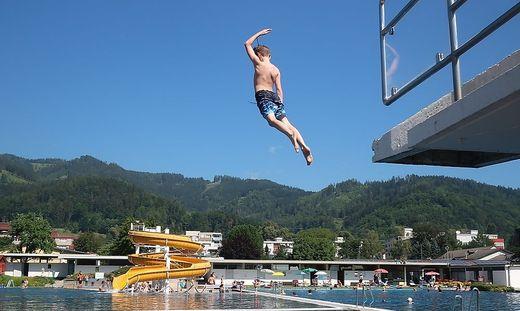 In Bruck kann ab 19. Mai ins Becken gesprungen werden