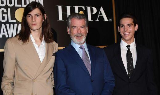 Dylan, Pierce und Paris Brosnan.