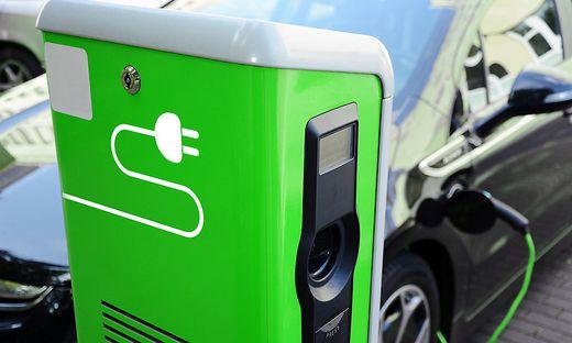 Auf die Gesamtlebenszeit sind E-Autos am umweltfreundlichsten