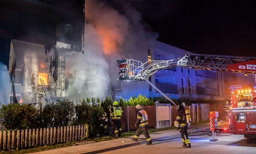 Mehrparteienhaus brannte nieder