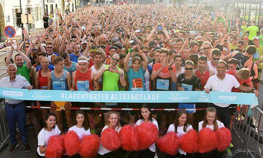 1850 Läufer waren beim Altstadtlauf am Start.