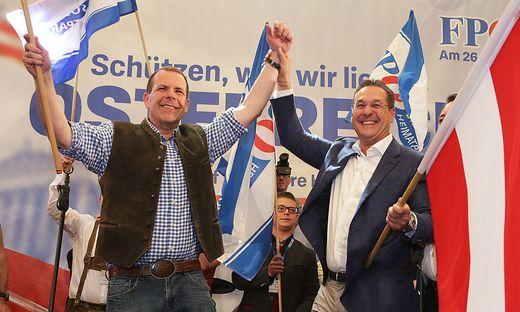 Damals war noch eitel Wonne: Heinz-Christian Strache (rechts) mit EU-Spitzenkandidat Harald Vilimsky bei der 1. Mai-Feier der FPÖ.