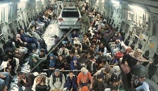 Das Auto auf dem britischen Evakuierungsflug