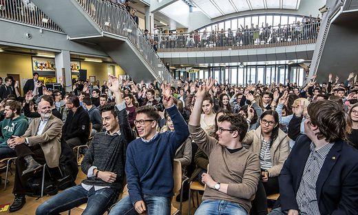 Kärnten Die Jugend Wünscht Sich Bessere Jobs Kleinezeitungat