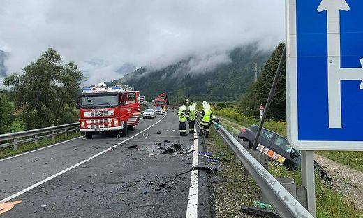 Bei dem schrecklichen Unfall sind zwei Menschen ums Leben gekommen