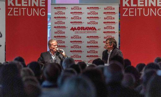 Der ehemalige Vizekanzler, ÖVP-Chef und nunmehrige Autor diskutiert mit Kleine-Innenpolitikchef Michael Jungwirth.