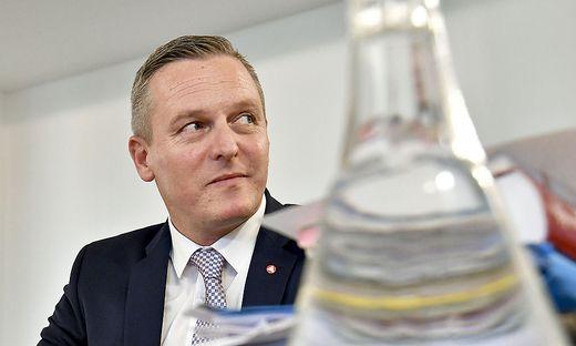Verteidigungsminister Kunasek