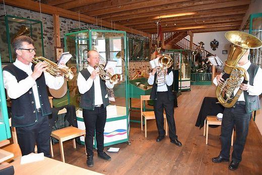 Eine Bläsergruppe des MV Winklern-Oberwölz sorgte beim Festakt für die musikalische Note