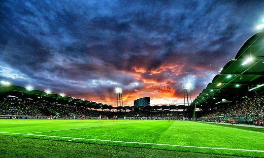 Eine neue Stadionbande soll gekauft werden