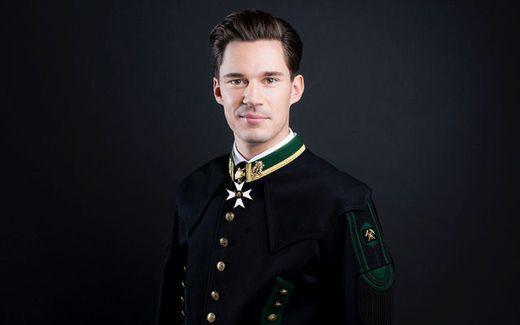 Der neue Regimentskapellmeister Domenik Kainzinger-Webern in prachtvoller Uniform