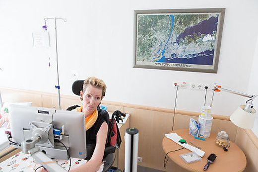 Den Computer steuert Katarina Posch mit ihren Augen