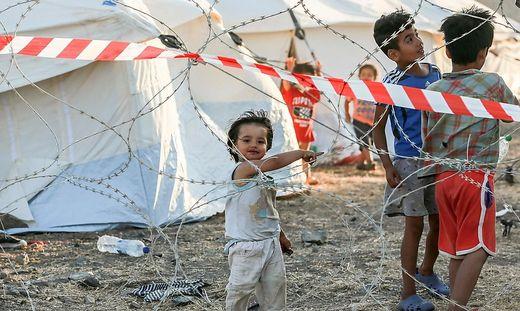 Im Zeltlager sind alle Bewohner registriert worden, damit ihre Asylverfahren weiterlaufen können