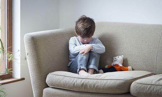 Besonders auf die psychische Gesundheit der Kinder gilt es jetzt zu achten.