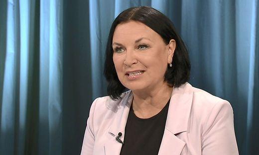 Petra Stuiber bei einer ORF-Pressestunde