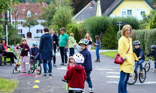 In der Villenstraße in Eggenberg bemüht man sich um den Status einer Spielstraße. Nun wurden Anrainer von Bim-Ausbauplänen für die Straße überrascht