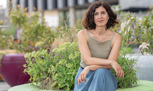"""Die Schriftstellerin Nava Ebrahimi: """"Gewissheiten sind ins Wanken geraten. Aber ich fürchte, wir haben keine großen Lehren aus der Pandemie gezogen."""""""