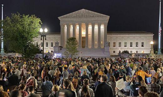 Das liberale Amerika gedenkt Justizikone Ruth Bader Ginsburg vor dem Obersten Gericht