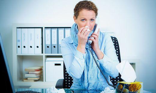 Nicht wirklich freiwillig geleistete  Überstunden und Stress am Arbeitsplatz schaden der Gesundheit