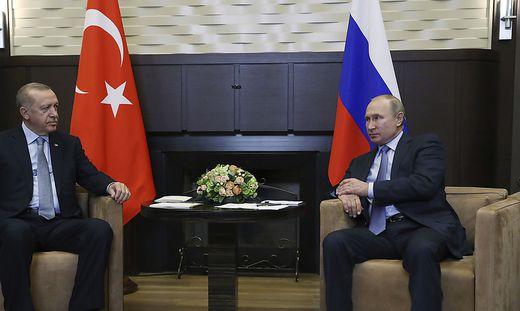 Putin empfing Erdogan in Sotschi