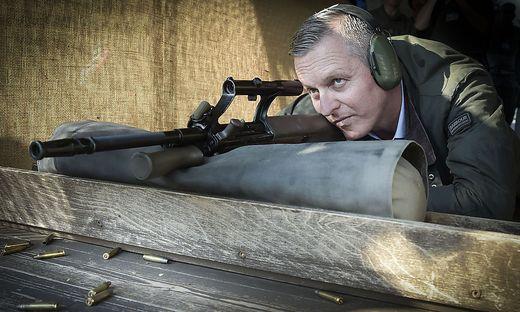 Vereidigungsminister Mario Kunasek (FPÖ) bei einem Besuch am Truppenübungsplatz Allentsteig.