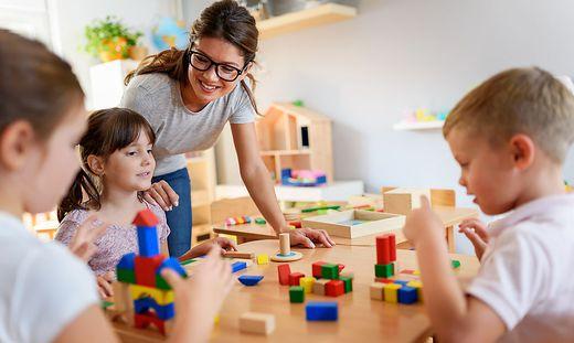 Elementarpädagoginnen und Elementarpädagogen sind für die frühkindliche Förderung enorm wichtig