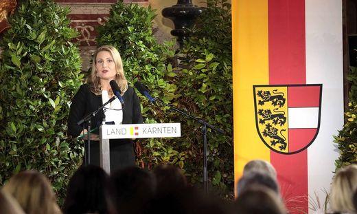 Ministerin Raab war zum 10.-Oktober-Festakt in Kärnten. Donnerstag empfängt sie in Wien Volksgruppenvertreter