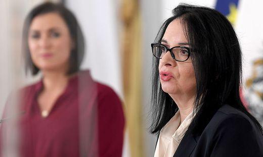 Tourismusministerin Elisabeth Köstinger und Kultur-Staatssekretärin Andrea Mayer