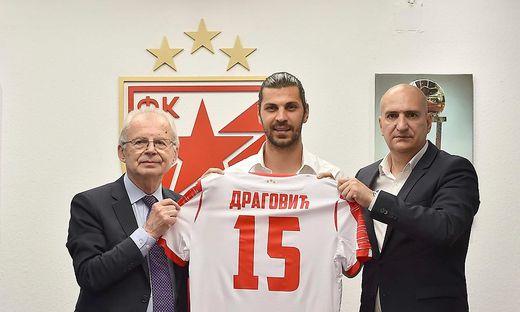 Aleksandar Dragovic (Mitte)