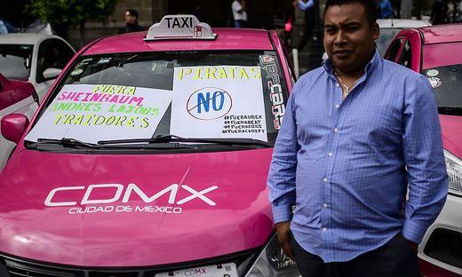 Weltweit demonstrieren Taxifahrer gegen Uber und Co. Wie hier in Mexiko Stadt.
