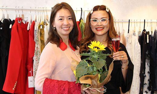 Chefin Wei Liu Wang und Mitarbeiterin Janelyn Fürhapter