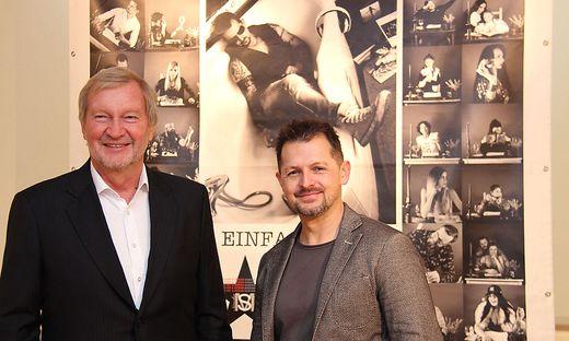 Sascha Meister (r.) stellt bis 8. März seine Werke im KuZ aus, zur Eröffnung schaute auch Kulturreferent Günter Bleymaier vorbei