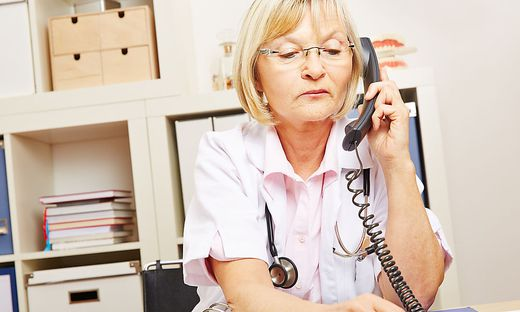 Gesundheitstelefon soll Ärzte entlasten