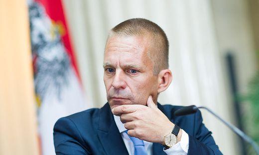 Chef des Verfassungsdienstes Gerhard Hesse