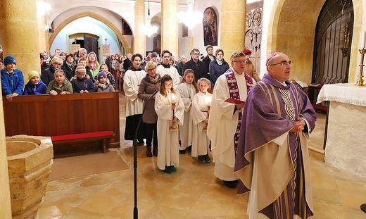 Bischof Wilhelm Krautwaschl visitiert derzeit das Obere Mürztal