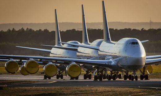 Bei der Lufthansa stehen zurzeit viele Flieger am Boden