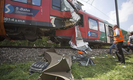 Zugunfall hält Ermittler und Gewerkschaft auf Trab.