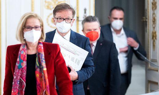 LH Johanna Mikl-Leitner (ÖVP), Gesundheitsminister Rudolf Anschober (Grüne), Bgm. Michael Ludwig (SPÖ) und LH Hans Peter Doskozil (SPÖ)