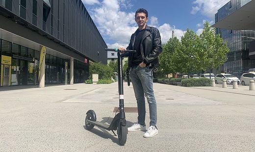 Irmes Zerem (24) pendelt täglich mit dem E-Roller von Raaba nach Graz