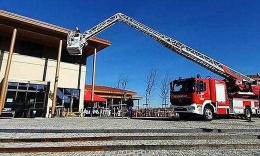 Die Kalsdorfer Feuerwehr ist derzeit im Alarmplan für Graz, um mit ihrer Drehleiter auszuhelfen.